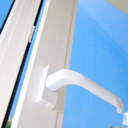 Plastová okna a balkonové dveře - v bílém provedení